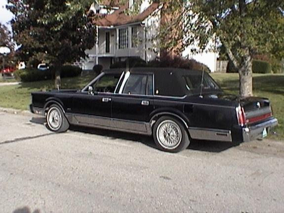 bigake 1988 lincoln town car specs photos modification info at cardomain. Black Bedroom Furniture Sets. Home Design Ideas