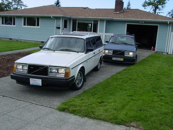 Three245Turbos 1984 Volvo 200-Series 4944864