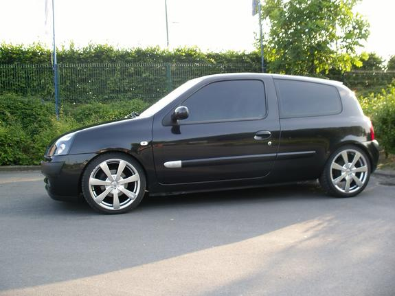 clioinitiale 2002 renault clio specs photos modification info at cardomain. Black Bedroom Furniture Sets. Home Design Ideas
