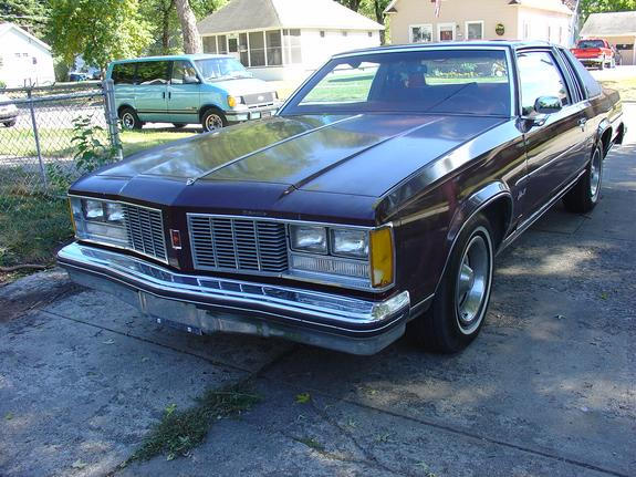1979 OLDSMOBILE DELTA 88 ROYALE 4 DOOR SEDAN - 154765