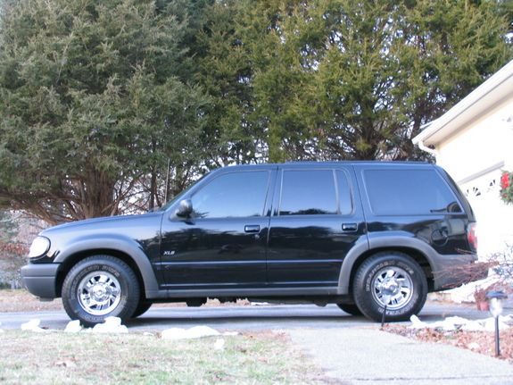 Another 00Explorer 2000 Ford Explorer post... - 5222055
