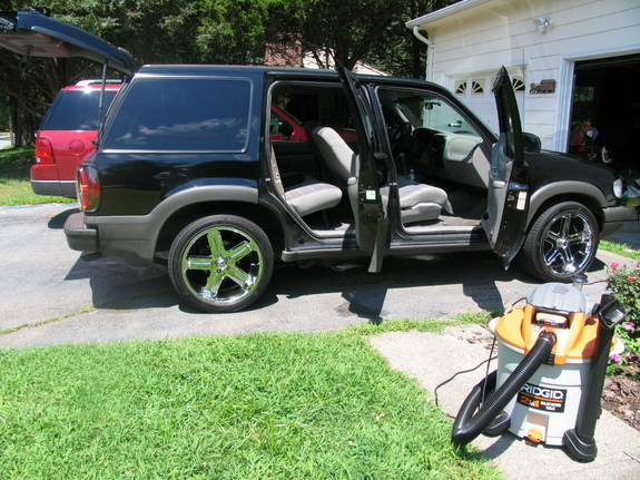 Another 00Explorer 2000 Ford Explorer post... - 5222063