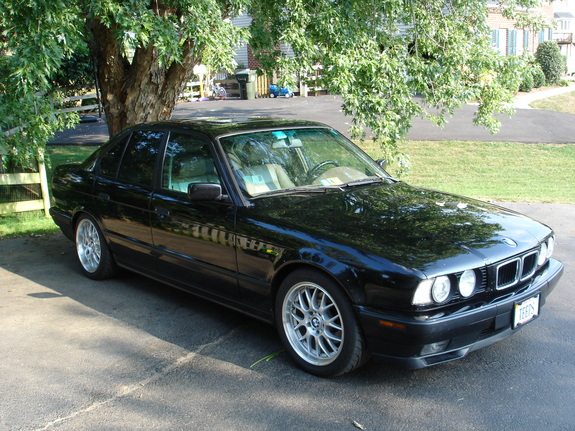 Johntee540 1994 BMW 5 Series