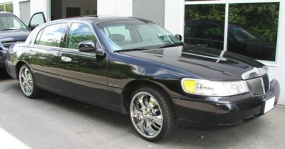 BaggedTCon20s 1998 Lincoln Town Car