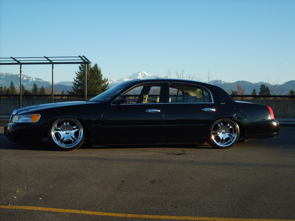 BaggedTCon20s 1998 Lincoln Town Car 5246437