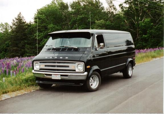 scurvy_dog 1977 Dodge Ram Van 150