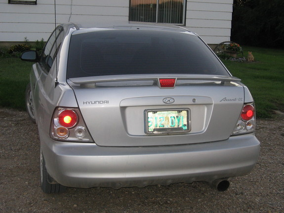 Another accentGS2000 2000 Hyundai Accent post... - 5361107