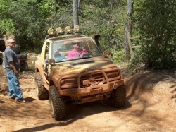 tOnKaTrAcKeR 1991 Geo Tracker