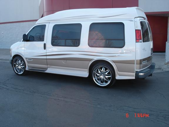 reppinthechi 1999 chevrolet express 1500 cargo specs photos modification info at cardomain. Black Bedroom Furniture Sets. Home Design Ideas