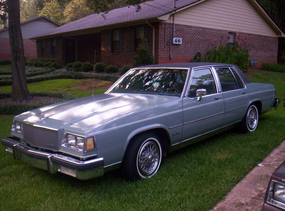 Large on 1985 Buick Lesabre 4 Door