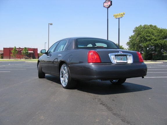 mrplease 2002 Lincoln Town Car 5637586