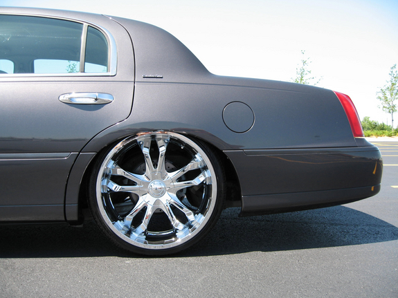 mrplease 2002 Lincoln Town Car