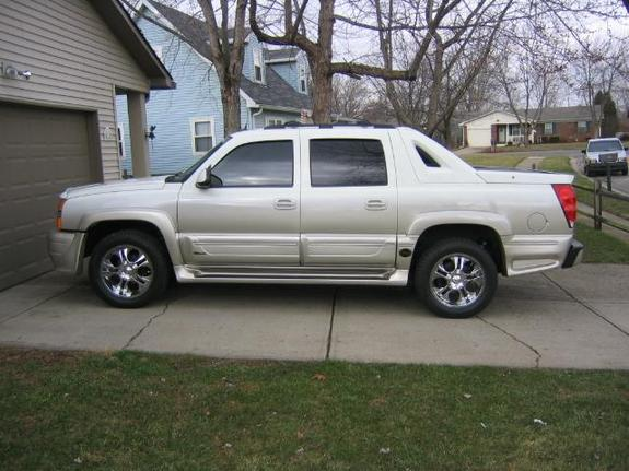 2005avalanche 2005 chevrolet avalanche specs photos. Black Bedroom Furniture Sets. Home Design Ideas