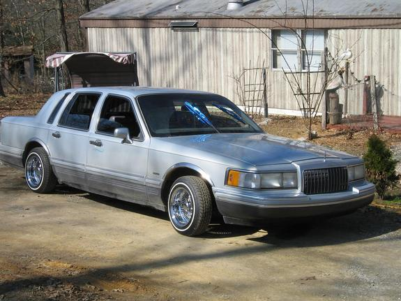 hoppinonu 1993 lincoln town car specs photos modification info at cardomain. Black Bedroom Furniture Sets. Home Design Ideas