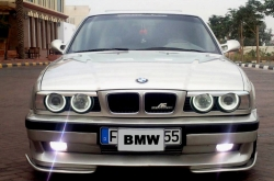WARD1972s 1990 BMW 5-Series
