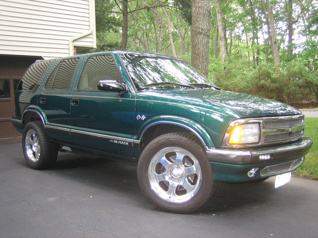 vettecity 1996 chevrolet blazer specs photos modification info at cardomain cardomain