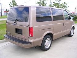 michitakem 2004 GMC Safari Passenger