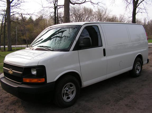 finecustomworks 2004 chevrolet express 1500 cargo specs photos modification info at cardomain. Black Bedroom Furniture Sets. Home Design Ideas