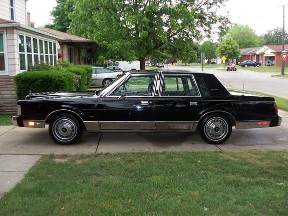 87 lincoln town car  Redwingvksm2 1987 Lincoln Town Car Specs, Photos, Modification Info ...