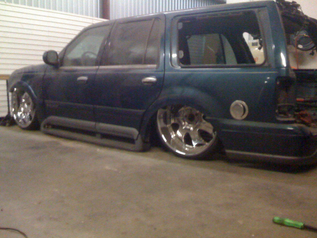 Mrgrinch936 1998 Lincoln Navigator Specs Photos