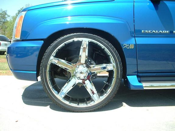 Lade_on26s's 2004 Cadillac Escalade