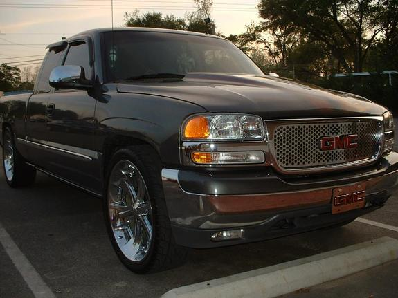 Lade_on26s 2004 Cadillac Escalade 6054017