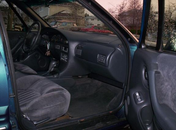 orbitzis 1996 pontiac bonneville specs photos modification info at cardomain. Black Bedroom Furniture Sets. Home Design Ideas
