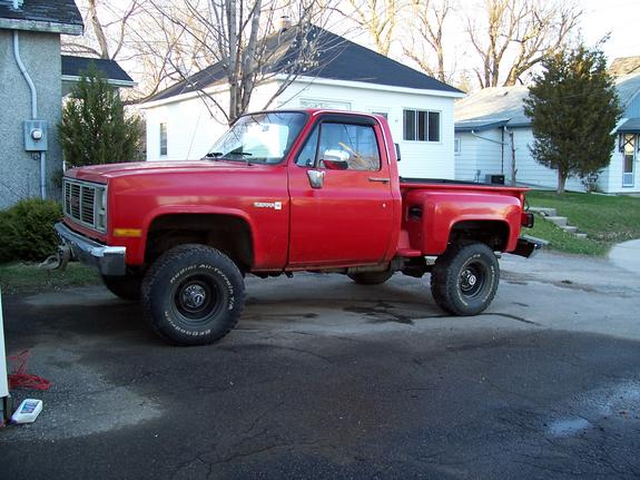 chevy_mud_84's 1984 GMC Sierra 1500 Regular Cab