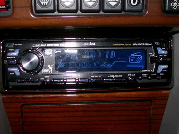 Another exxxtreme 1990 mercedes benz e class post for Mercedes benz sirius radio