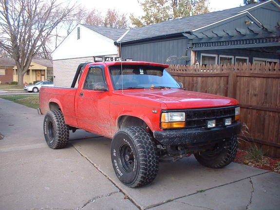 Large on 95 Dodge Dakota Lifted