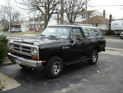 FluffyCow 1987 Dodge Ramcharger