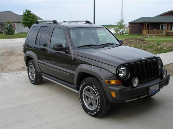 mb818 2005 Jeep Liberty 6227690