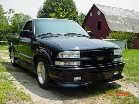 xtremegirl00 2000 chevrolet s10 regular cab specs photos modification info at cardomain. Black Bedroom Furniture Sets. Home Design Ideas