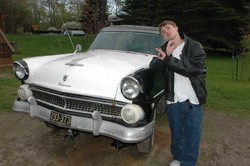 wYt3bOi 1955 Ford Fairlane