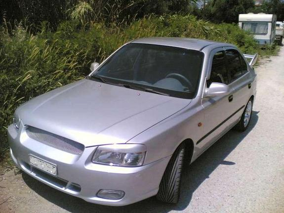 Eagle_IIz 2001 Hyundai Accent