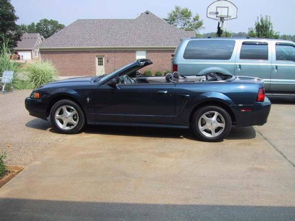 Amdman 39 s 2001 ford mustang in prospect ky for 2001 ford mustang convertible top motor