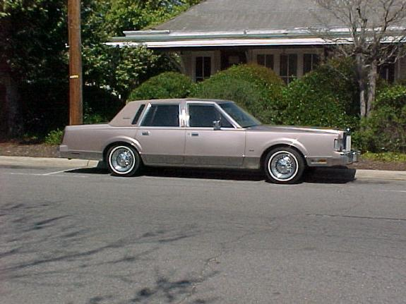 lomaxmotorsports 1986 Lincoln Town Car