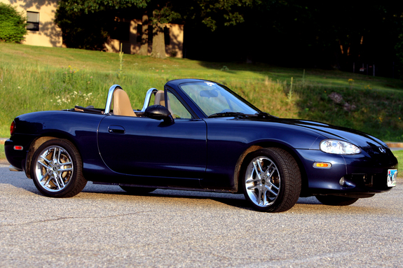 scoot88 2001 mazda miata mx 5 specs photos modification info at cardomain. Black Bedroom Furniture Sets. Home Design Ideas