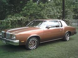 THEGREATCHIZAD 1979 Oldsmobile Cutlass Supreme