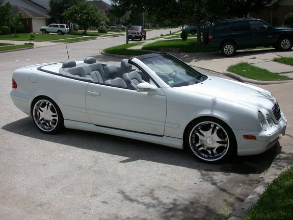 disboystillfly 2000 mercedes benz clk class specs photos modification info at cardomain. Black Bedroom Furniture Sets. Home Design Ideas