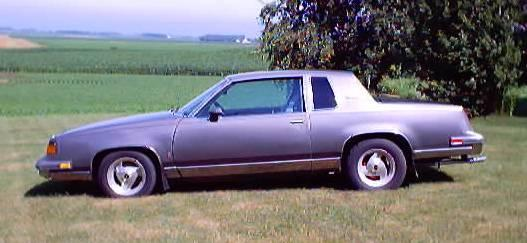 Another stadt11 1987 Oldsmobile Cutlass Supreme post... - 525125