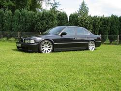 The_Shadowchaser 2001 BMW 7 Series 550920