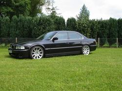 The_Shadowchaser 2001 BMW 7 Series 550921