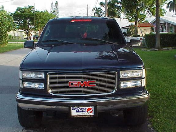 gmctruck99 39 s 1999 gmc suburban 1500 in ft lauderdale fl. Black Bedroom Furniture Sets. Home Design Ideas
