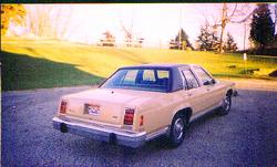 Another murphmobile2 1984 Ford LTD Crown Victoria post... - 628458