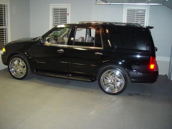 mgriffin's 2002 Lincoln Navigator