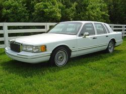 blugrasmtnss 1991 Lincoln Town Car