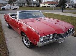 cut_aboves 1968 Oldsmobile Cutlass Supreme