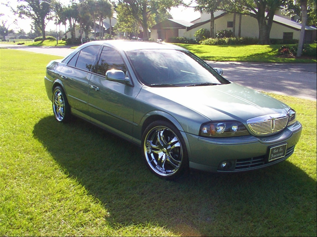 2003 Lincoln LS V8 Supercharger http://www.cardomain.com/ride/2036007/2003-lincoln-ls/page-3/