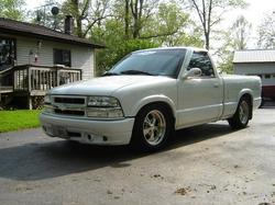 LilWhiteS10 1998 Chevrolet S10 Regular Cab